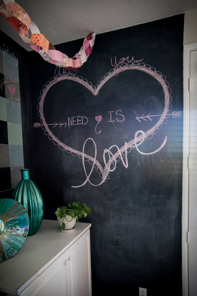 Just a little chalk design... LOVE!!!! OXOXOXO