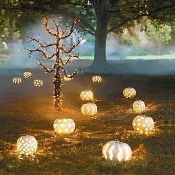 Wow! The more I post the more excited I am for Halloween! I wish I did this!http://kentuckyweddingplanner.fancyevents4u.com/2013/11/cinderella-theme-inspiration.html